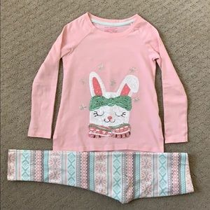 Little girl's bunny outfit